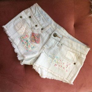 Mossimo Denim Floral Patch Low-Rise Shorts